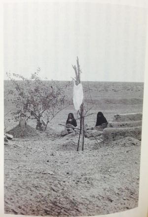 tomb-in-gobi